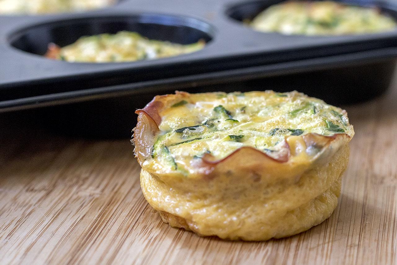Hartige ei muffins met courgette