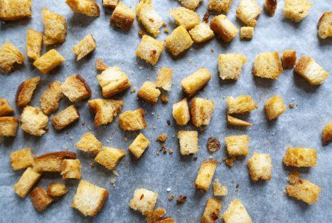 Croutons zelf maken in de oven